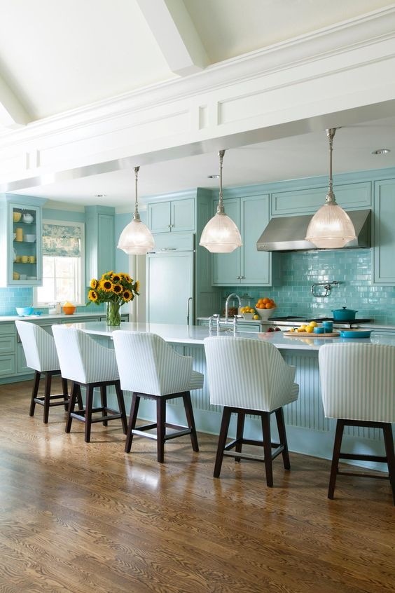 Eye for design for Tiffany blue kitchen ideas