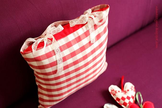 Poduchy, jak uszyć, Poszewkę na poduszkę, wiązaną, na troczki, na kokardę, wstążki, tutorial, DIY, na prezent,