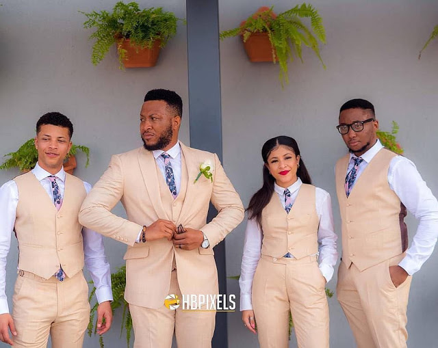 This groom and his 'groomsmen' go viral for one reason