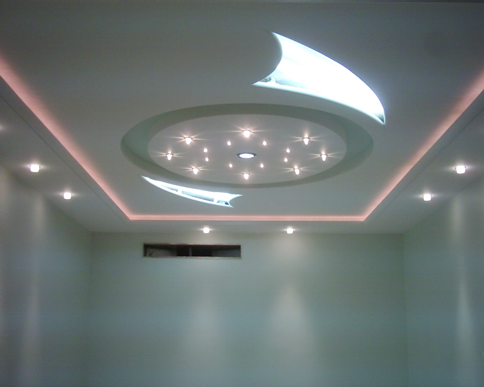 Faux plafond platre for Fond plafond salon