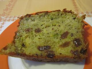 Plum-cake ai pistacchi, mela e uvetta