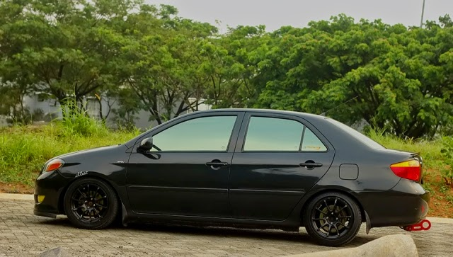 Modifikasi Toyota Vios Elegant Black