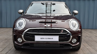 2016 MINI Clubman front look