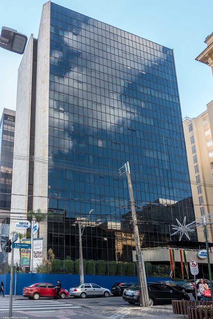 Edifício da Caixa Econômica Federal na Rua Conselheiro Laurindo 280