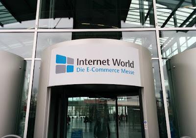 Der Eingangsbereich der Internet World 2016.