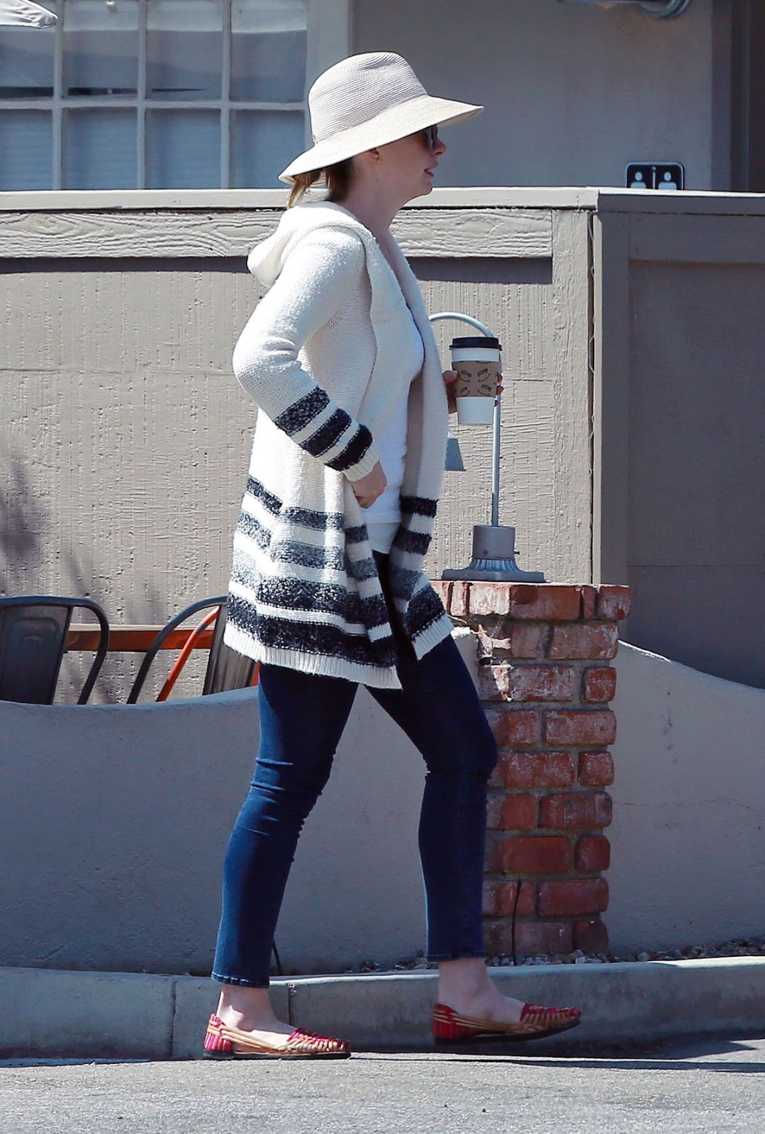 Photos of Anne Harhaway drinking Coffee In Los Angeles