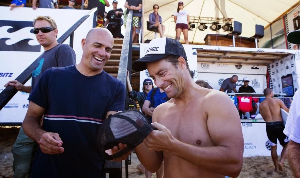 20 Billabong Pipe Masters Kelly Slater and Travis Logie Foto ASP