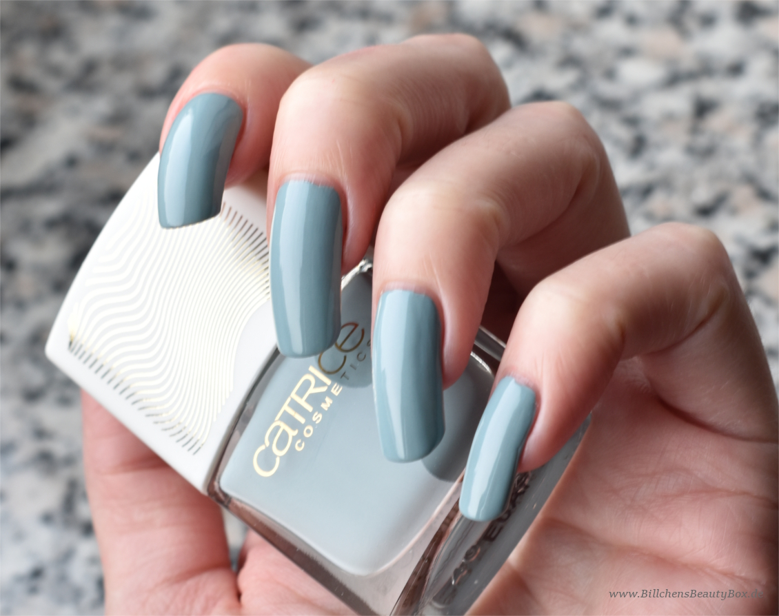 Catrice 'Pulse of Purism' Limited Edition - Nagellack Pure Blues - Swatch