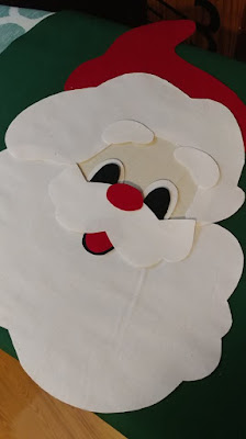 Quilted peeking Santa toilet seat lid cover