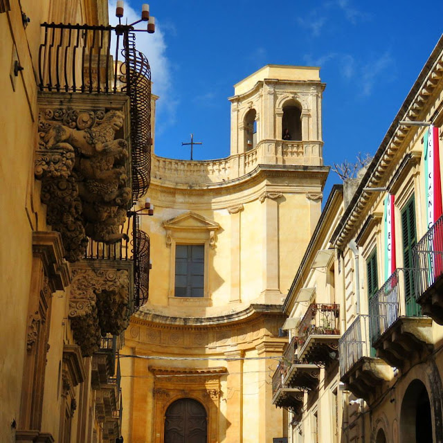 Road trip in Sicily - Church in Noto