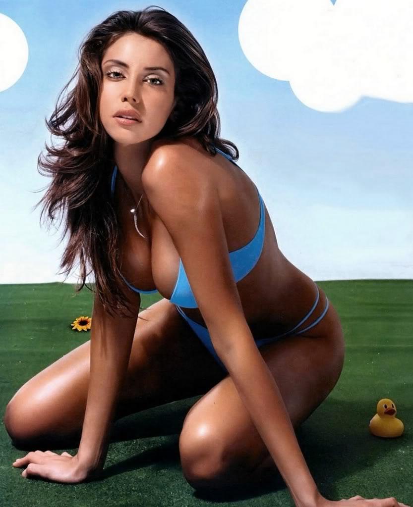 contest to meet selena gomez 2012 swim