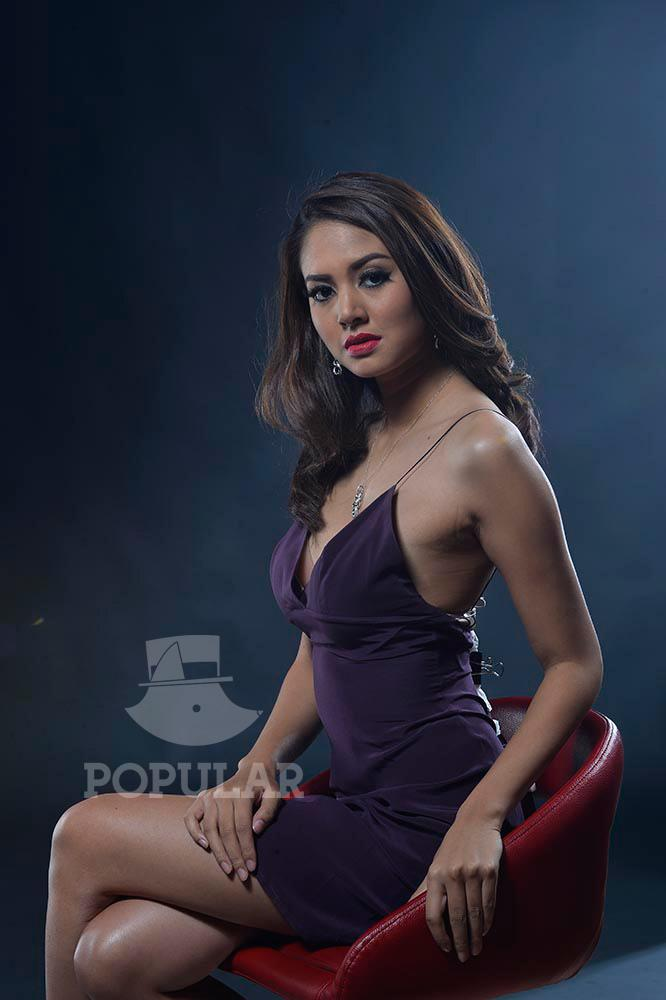 DHEMODELS: AURELIE MOEREMANS PART 1 DI POPULAR MEI 2016 ...: http://www.dhemodels.club/2016/05/aurelie-moeremans-part-1-di-popular-mei.html