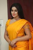 actress Poorna glamorous photos gallery-thumbnail-20