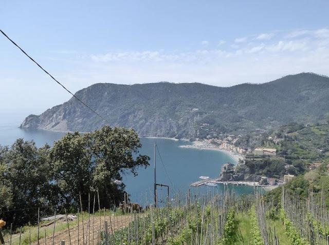 panorama su Monterosso dal sentiero azzurro delle Cinque Terre