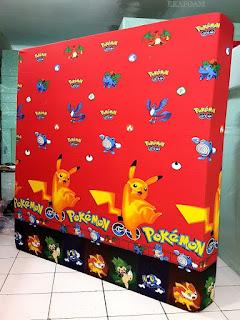 Kasur inoac dengan corak motif pokemon merah
