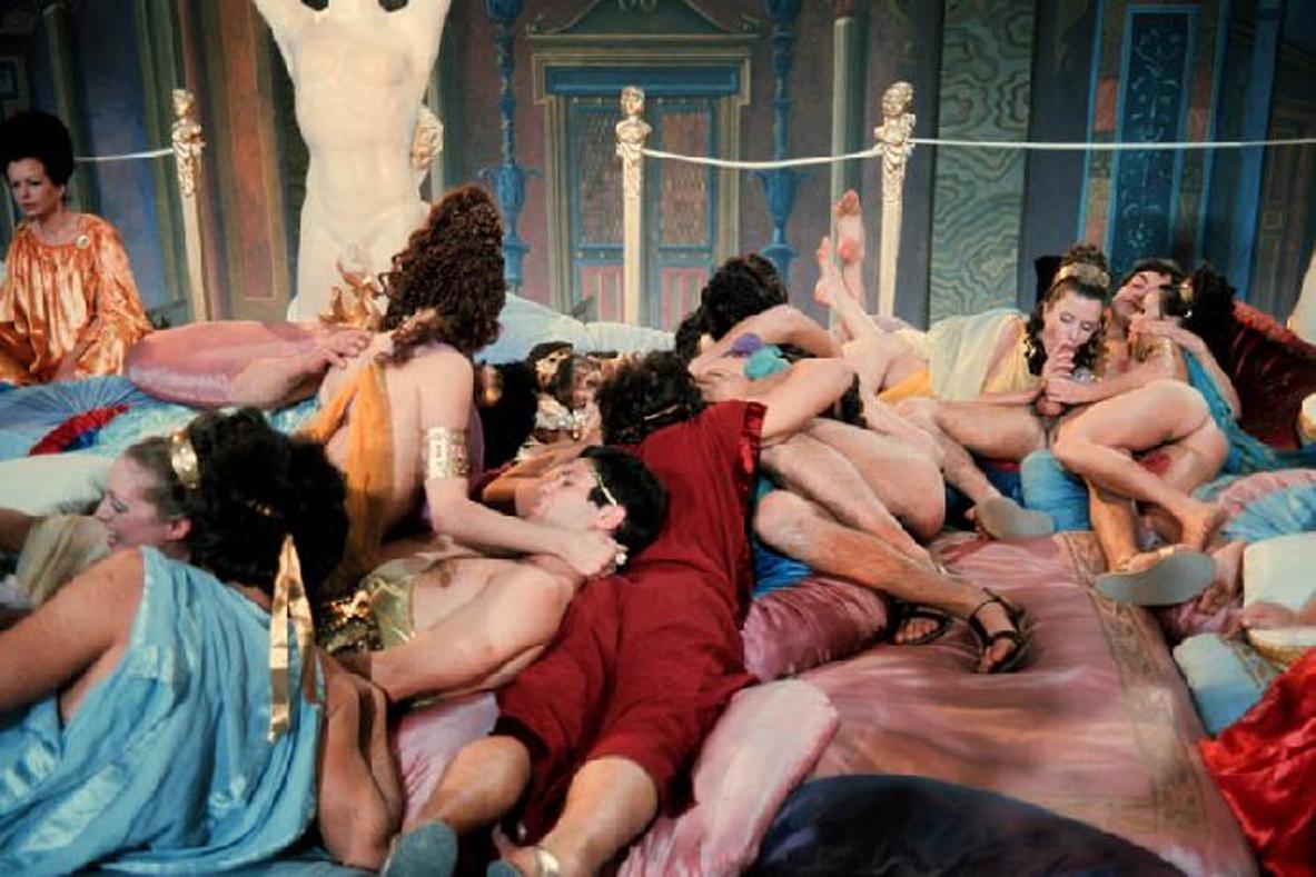 предлагаем вашему фото крупно калигула грей богиня орального