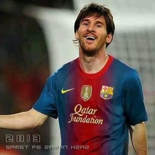 Lionel Messi Wallpaper on Lionel Messi Barcelona 2012 2013   Wallpapers   Bola  Penting
