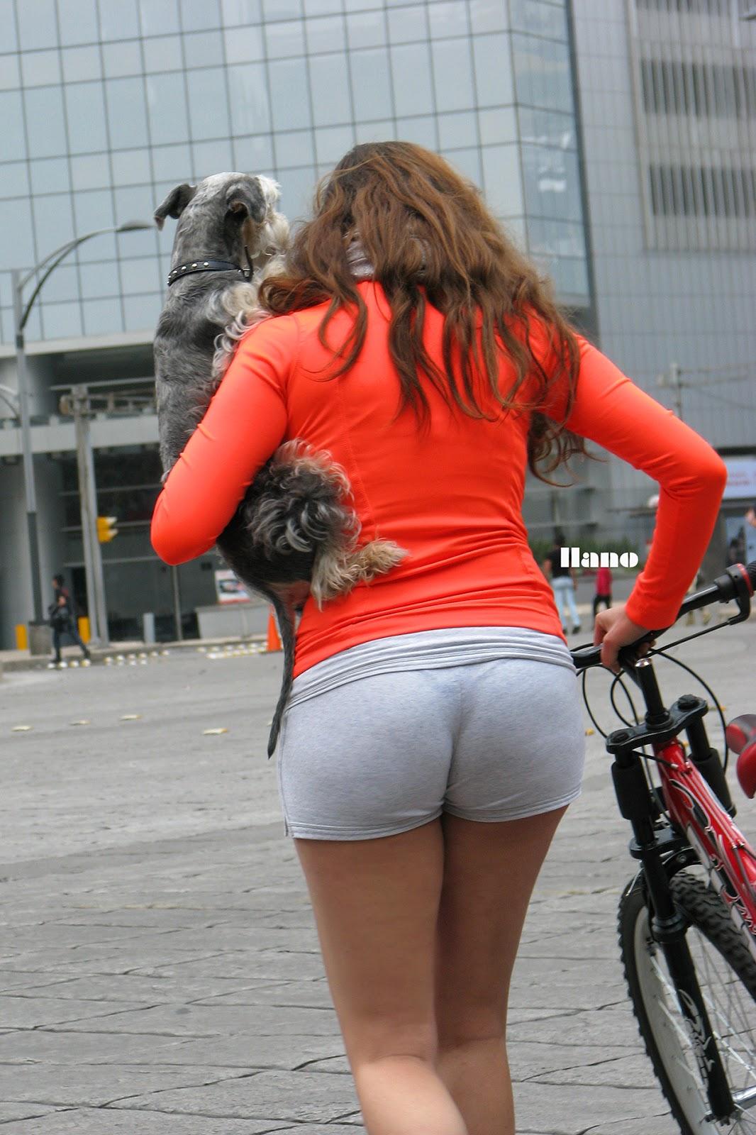 Voyeur and cameltoe leggins gym youtuber - 1 3