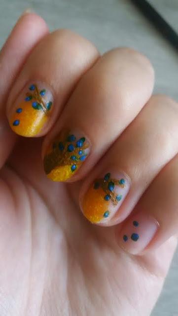 Pomysł na paznokcie: Kwitnące drzewo na tle słońca krok po kroku.