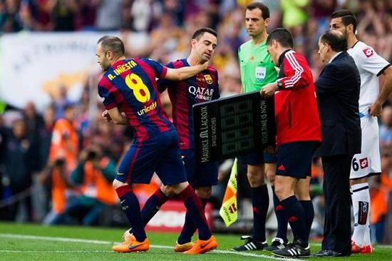 Anh rời sân ở cuối trận, nhường chỗ cho người đồng đội thân thiết Andres Iniesta