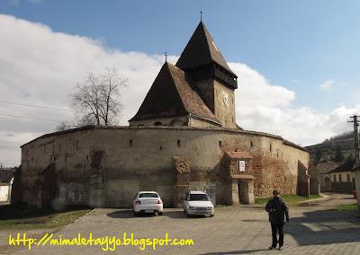 Iglesia fortificada de Axente Server