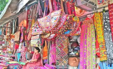 ये है भारत के 5 सबसे सस्ते बाजार जहाँ कपड़े मिलते है आपकी सोच से भी सस्ते, देखे पूरी लिस्ट