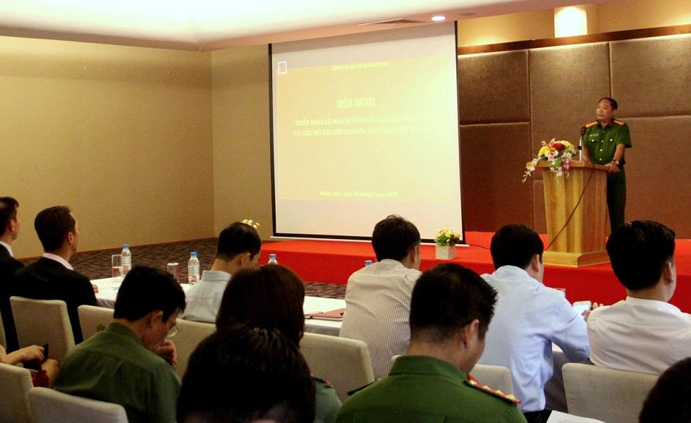 Đại tá Nguyễn Hồng Thái - Trưởng CAQ Hoàng Mai phát biểu triển khai Kế hoạch bảo đảm ANTT. Ảnh: Anh Quý.