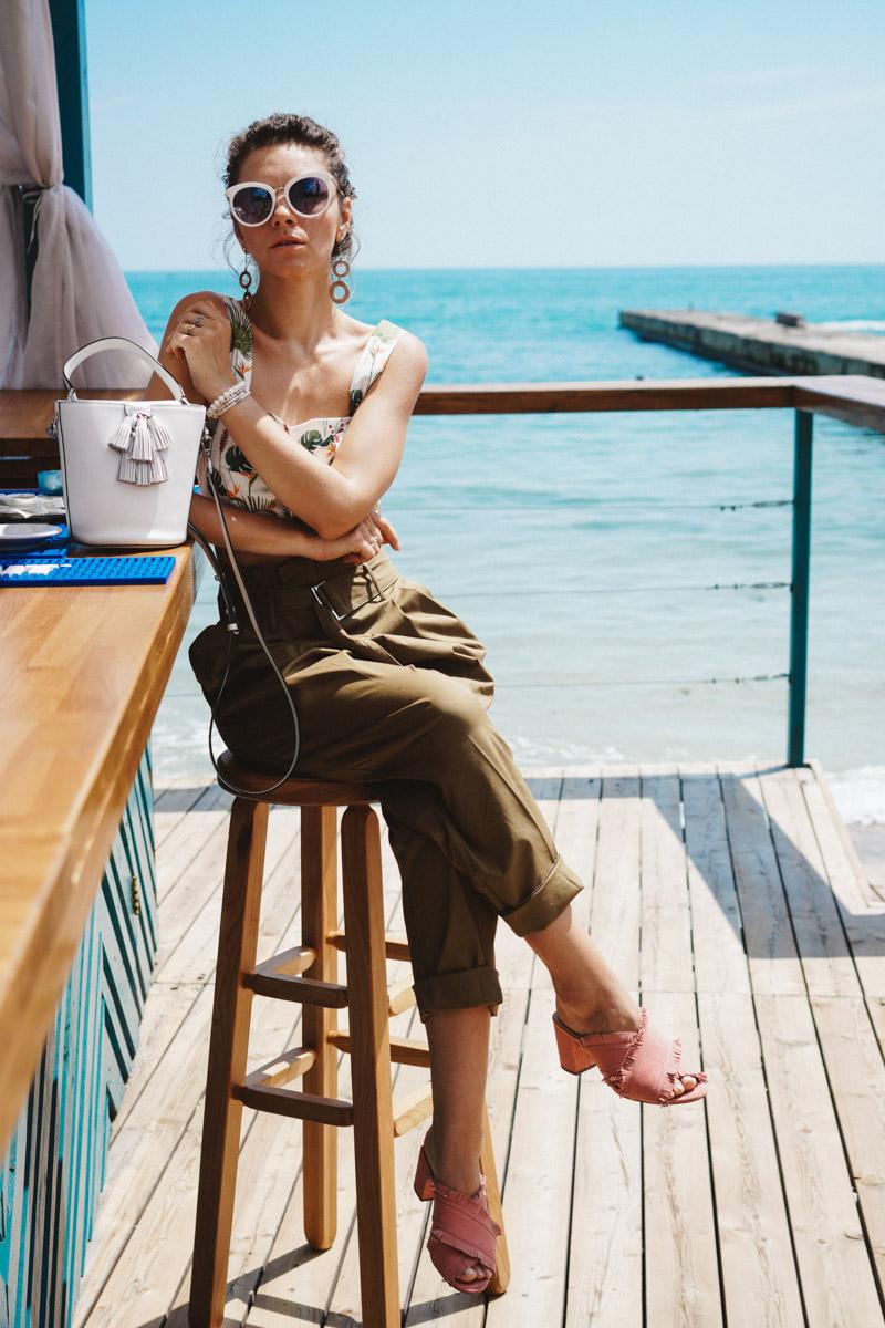 брюки хаки носить летом