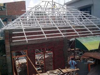 Rangka atap baja ringan model jurai/limas
