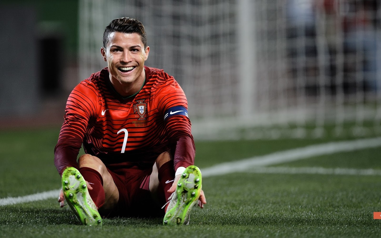 Cristiano Ronaldo HD Wallpapers Cristiano Ronaldo HD Nike Wallpapers,Cristiano Ronaldo CR 7 Football kick HD Wallpaper.