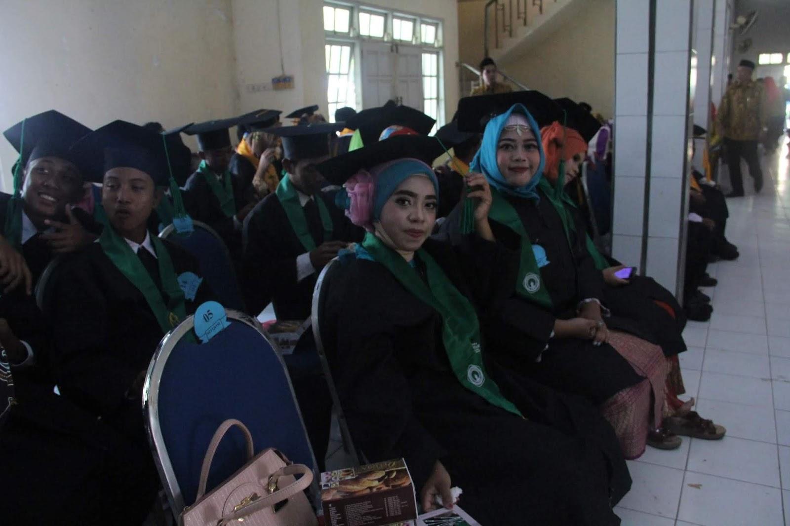 Herihasbullah Gengsi Vs Kualitas Diri Wah Si Nganu Damn I Love Indonesia Kaos Pria Principal Box Off White Putih L Baru Lulus Kuliah Atau Tamat Sekolah Masih Nganggur Begitulah Pertanyaan Yang Kerap Muncul Pusingnya Gak Terlalu Sih Cuma Dan Malu Kalo Di