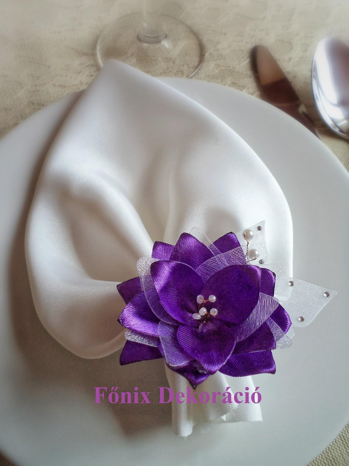 Dekoráció Ez a lila szépség szatén és organza felhasználásával készült 2590ff7b4e