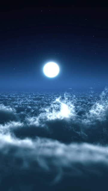 iPhone 5 Wallpaper - Moon Over Clouds