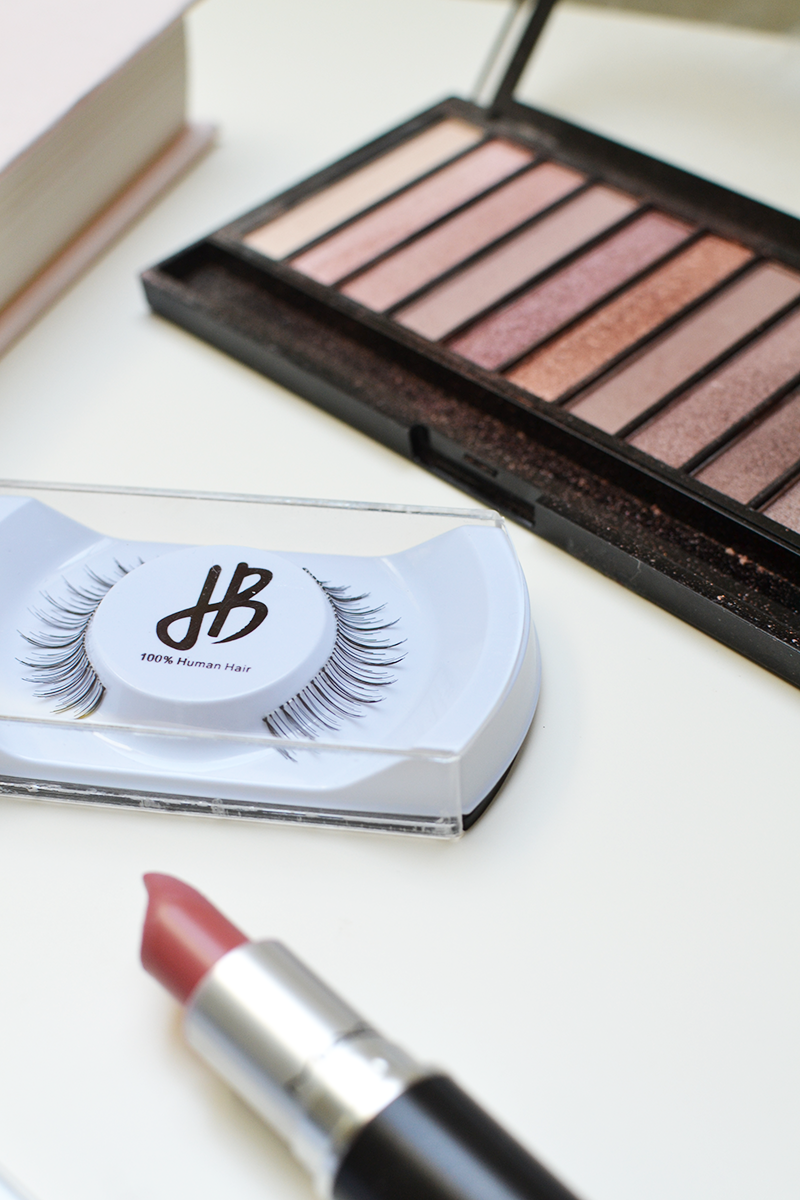 How to apply false lashes Jennis Beauty Lashes | Colours and Carousels - Scottish Lifestyle, Beauty and Fashion blog