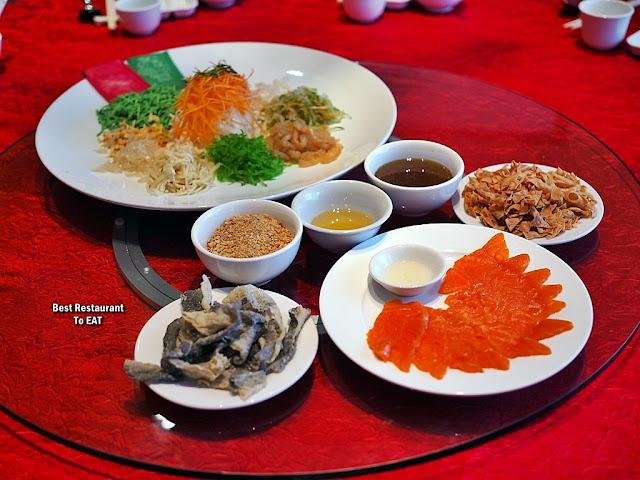 Chinese New Year Set Menu 2020 - Yee Sang with Salmon Fish and Crispy Fish Skin