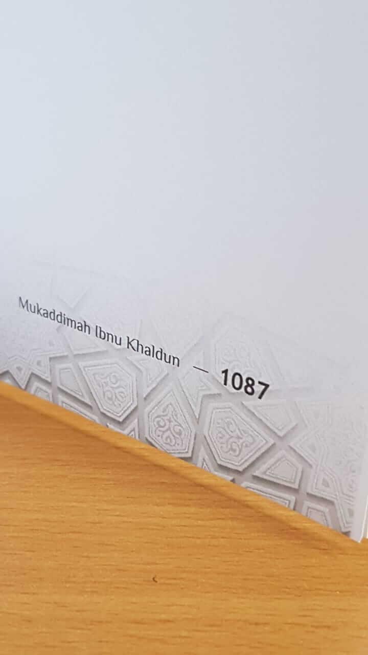 jumlah halaman buku Mukaddimah - Ibnu Khaldun
