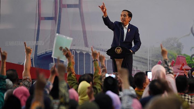Lebih Penting Presiden Datang Ke Pertemuan G-20, Bukan Bagi-Bagi Sertifikat