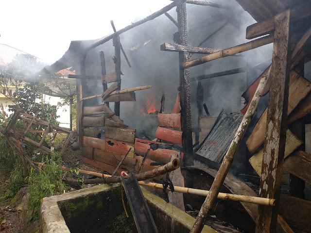 Ditinggal Kesawah,  Rumah Subakri Ludes Terbakar
