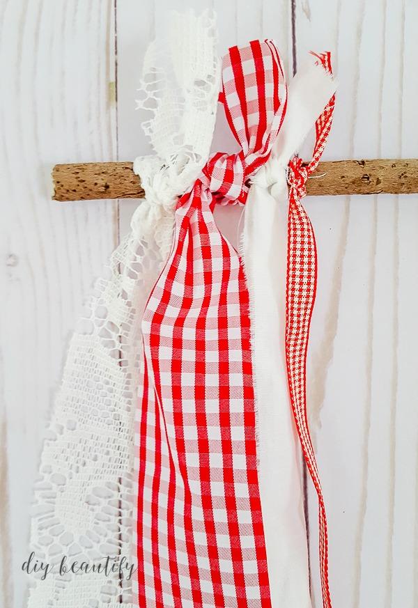 tie ribbon