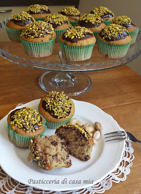 muffins al pistacchio glassati al cioccolato ricetta di pasticceria di casa mia