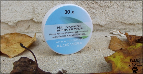 Nail Varnish Remover Pads - Action - With Aloé Vera