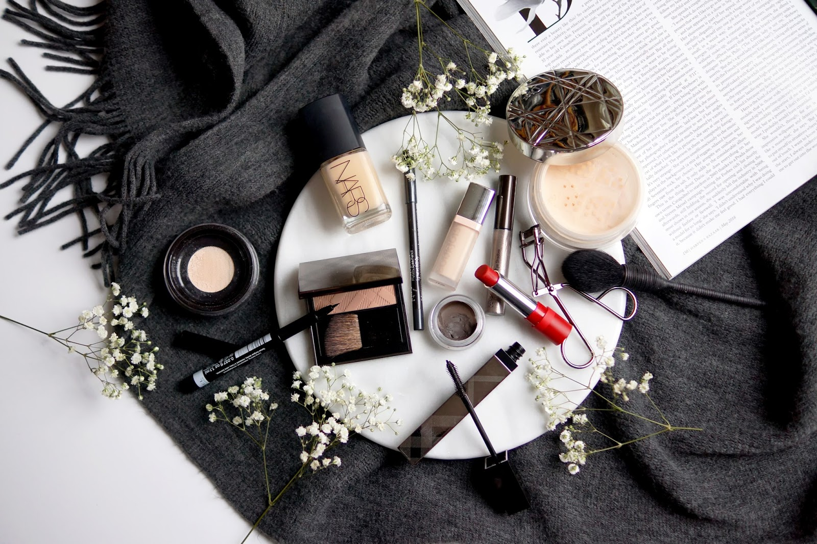 barely-there-beauty-christmas-new-year-makeup-look-tutorial-2016-flatlay-photography