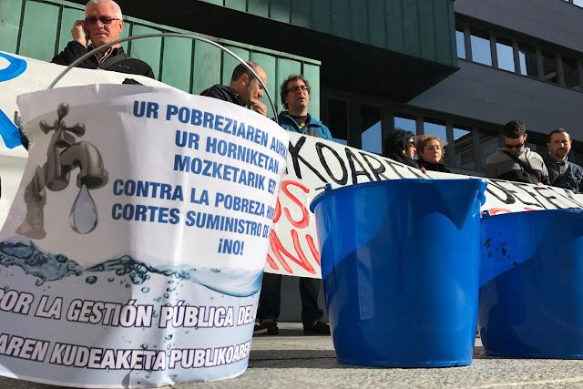 Denuncian que el PNV obstaculiza el debate sobre los cortes de agua a las familias sin recursos