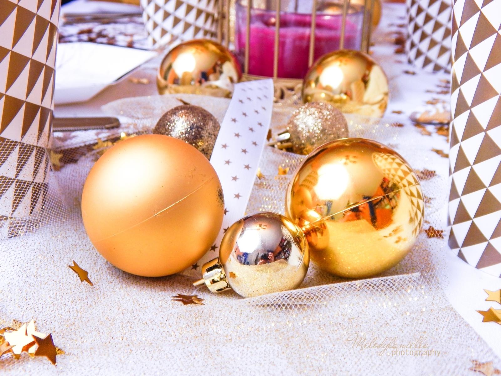17 jak udekorować stół na imprezę dekoracje partybox melodylaniella ładne papierowe talerzyki kubki wstążki confetti brokat zlote dodatki stylizacje lifestyle homedecor
