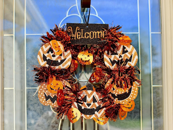 DIY Dollar Store Mini Halloween Wreath