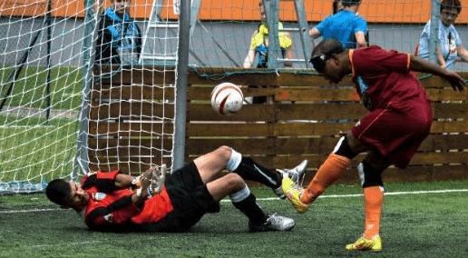 Teknik Dasar Mengumpan Lambung (Chipping) Futsal