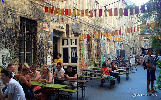Berlin - Café Cinema