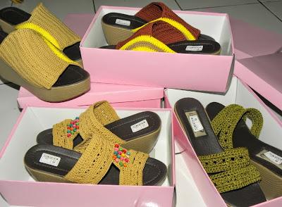 sandal rajut