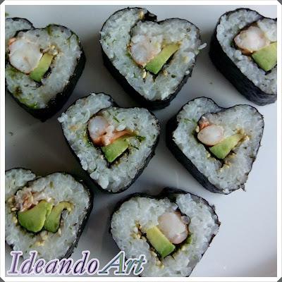 Corazones de sushi en pareja
