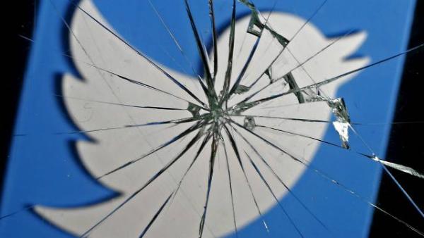 تويتر تدعو مستخدميها لتغيير كلمات مرورهم